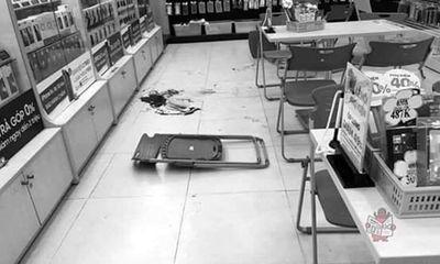 Nghi can ngáo đá đâm gục sỹ quan Quân đội tại cửa hàng điện thoại khai gì?