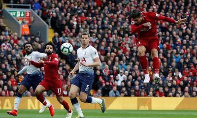 Cầu thủ Tottenham đá phản lưới nhà