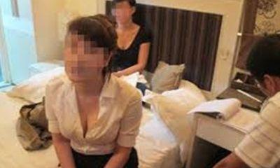 Cảnh sát mật phục, bắt quả tang nữ nhân viên massage bán dâm cho khách làng chơi