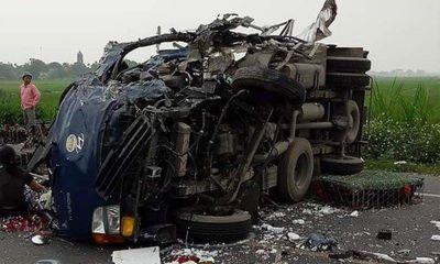 Mẹ ôm thi thể con trai bị tai nạn giao thông gào khóc thảm thiết giữa đường