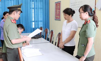 Đại học Luật Hà Nội xem xét đuổi học con một vị lãnh đạo huyện được nâng 11 điểm