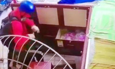 Tin tức pháp luật mới nhất ngày 18/4/2019: Thanh niên giả gái đi cướp tiệm vàng, gặp ngay bà chủ