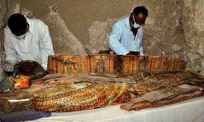 Ai Cập khai quật 8 xác ướp trong những ngôi mộ 3.500 năm tuổi