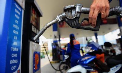 Giá xăng có thể tăng lần thứ 3, leo lên mốc mới?