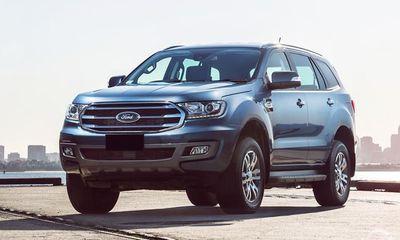 Ford Everest đang được giảm giá mạnh tới 122 triệu đồng/chiếc