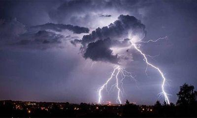 Dự báo thời tiết ngày 13/5: Cảnh báo lốc, sét, mưa đá ở Nam Bộ
