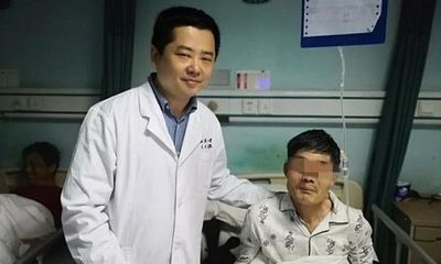 Kì tích bợm nhậu nuốt khối u dài 15cm khi say