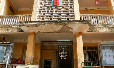 Chùm ảnh: Trường học giữa lòng thủ đô sụt lún, nứt nẻ xuống cấp nghiêm trọng