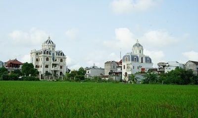 Choáng ngợp ngôi làng đi vài chục mét lại có một dinh thự ở Nam Định