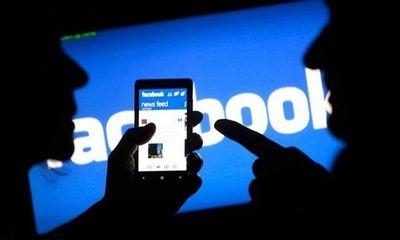 Đăng bài xúc phạm người khác trên facebook, chuyên viên Văn phòng UBND TP HCM bị xử phạt