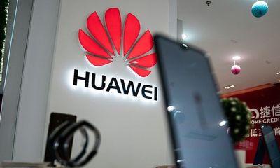 """Huawei nhận thêm cú sốc: Microsoft quay lưng giữa """"tâm bão"""" danh sách đen"""