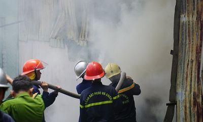 Video: Nhà xưởng sản xuất hương ở Đà Nẵng cháy dữ dội, thiêu rụi nhiều tài sản