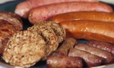 Thực phẩm 'siêu chế biến' như kem, xúc xích, đồ uống có gas làm giảm tuổi thọ