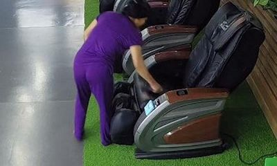 Truy tìm người đàn bà nhặt được ví tại khu vui chơi nhưng không trả lại