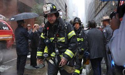 Hiện trường vụ trực thăng lao vào tòa nhà chọc trời tại Mỹ