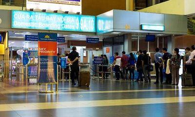 Nam thanh niên bị cấm bay vì lén hút thuốc, không chấp hành nộp phạt
