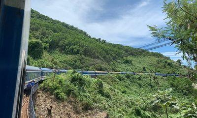 Tin tức tai nạn giao thông mới nhất hôm nay 30/6/2019: Tàu khách Bắc-Nam trật bánh trên đèo Hải Vân