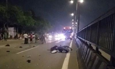 TP.HCM: Va chạm kinh hoàng với ô tô, nam thanh niên tử vong tại chỗ