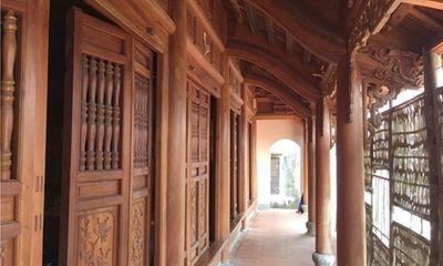 Chiêm ngưỡng ngôi nhà gỗ mít bạc tỷ của lão nông ngoại thành Hà Nội