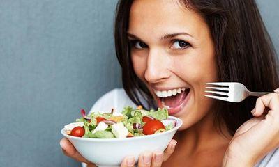 Phụ nữ ngoài 30 nên ăn thế nào để kéo dài tuổi xuân?