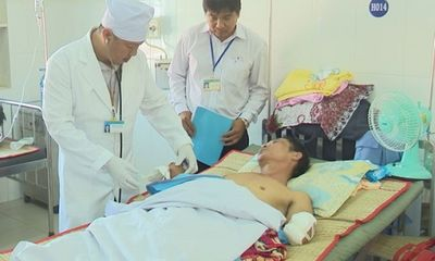 Tai nạn lao động, người đàn ông bị đứt lìa 2 cánh tay