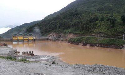 Lào Cai: Thủy điện bất ngờ xả lũ lúc rạng sáng, hàng chục nhà dân ngập úng