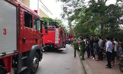 Hà Nội: Cháy chung cư Nam Trung Yên, người dân hoảng hốt tháo chạy xuống đường