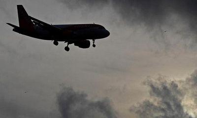 Hi hữu: Máy bay chở 153 hành khách cạn kiệt nhiên liệu, suýt lao thẳng xuống đất