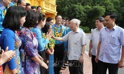 Tổng Bí thư, Chủ tịch nước Nguyễn Phú Trọng gặp mặt Đoàn đại biểu cán bộ công đoàn tiêu biểu