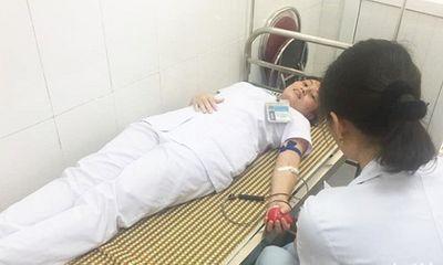 3 điều dưỡng viên kịp thời hiến máu cứu sống sản phụ nguy kịch