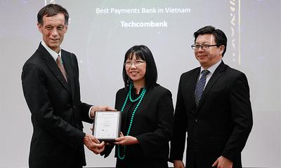 """Techcombank được trao tặng giải thưởng """"Ngân hàng cung cấp dịch vụ thanh toán tốt nhất Việt Nam 2019"""""""