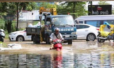Nhiều điểm đê ở Hà Nội bị sạt lở khá nghiêm trọng do bão số 3