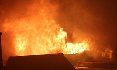 Nghe tiếng nổ lớn, người dân chạy tới phát hiện thanh niên chết cháy trong phòng trọ