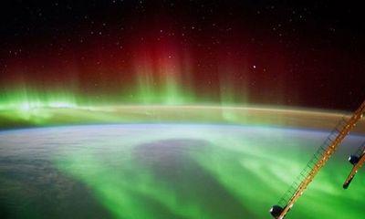 NASA cố tình che giấu ảnh UFO bay gần Trạm Vũ trụ Quốc tế?