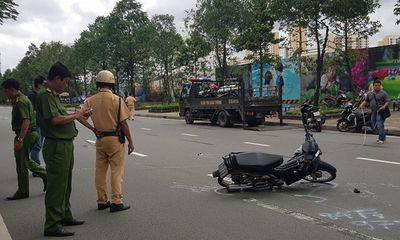 Tin tức tai nạn giao thông mới nhất hôm nay 10/8/2019: Thiếu tá CSGT bị xe vi phạm tông nhập viện