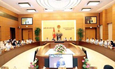 Ủy ban Thường vụ Quốc hội chất vấn Phó Thủ tướng và 15 bộ trưởng, trưởng ngành