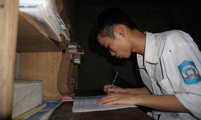 Tân sinh viên nhà nghèo nặng trĩu nỗi lo trước ngày nhập trường