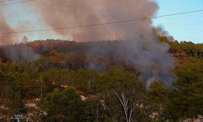 Núi Ngũ Phong ở Thừa Thiên – Huế cháy lớn, nghi do đốt vàng mã