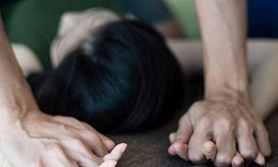 Bắt giam cha dượng xâm hại con riêng của vợ đến có thai