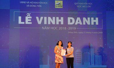 ĐH Đại Nam trao học bổng Khuyến tài 100% học phí cho tân SV đến từ xã Đông Tiến