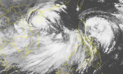 2 áp thấp nhiệt đới cùng hoành hành trên Biển Đông: Chuyên gia khí tượng nói gì?