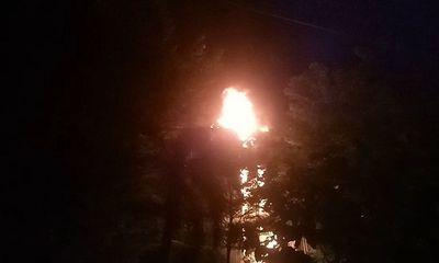 Công ty sản xuất đệm mút bùng cháy trong đêm sau tiếng nổ lớn