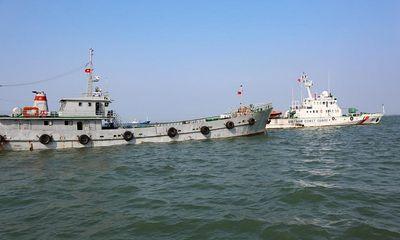 Cảnh sát biển tạm giữ một tàu vận chuyển 200.000 lít dầu DO trái phép