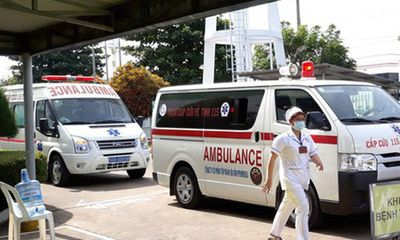 Vụ bỏ quên bé trai 3 tuổi trên xe ô tô: Trẻ nhập viện trong tình trạng bị sốc nhiệt, bắt đầu suy thận