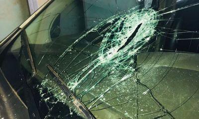 Chủ tịch xã lái ô tô khống chế nghi phạm đập phá cây ATM, cướp tiệm vàng