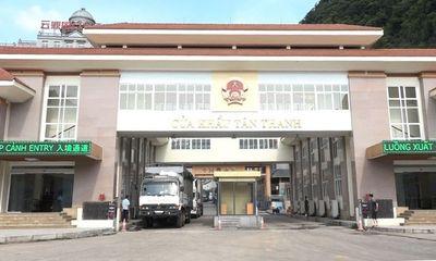 Lạng Sơn: Kiểm tra hàng lậu, cán bộ Hải quan bị 2 thanh niên lăng mạ, hành hung