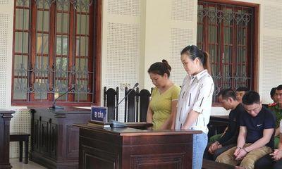 Mẹ ròng rã đi tìm con gái 12 tuổi bị bán làm vợ xứ người