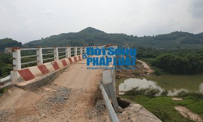 Lục Ngạn (Bắc Giang): Cầu nứt toác khi mới đi vào hoạt động