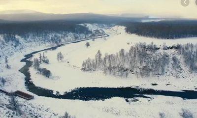 Video: Cận cảnh dòng sông kỳ lạ dù lạnh -40 độ vẫn không đóng băng