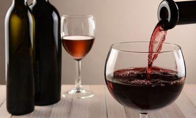 Rượu vang có thực sự tốt cho tim mạch, giúp giảm huyết áp?